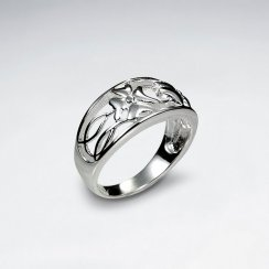 Delicate Floral Inspired Filigree Silver Ring