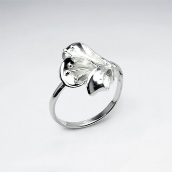 Elegant Lily Blossom Sterling Silver Ring