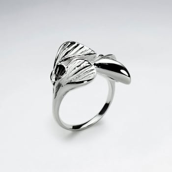 Lilies Brass Ring