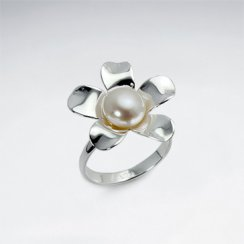 Lovely Pearl and Flower Sterling Silver Ring
