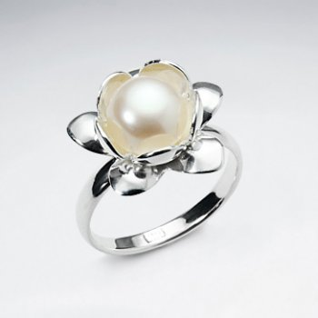 Oversized Pearl Set in Sterling Silver Flower Ring