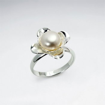 Polished White Silver Large Pearl Flower Ring