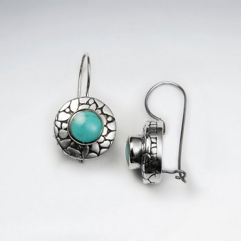 Round Dangling Silver Earring With Cracked Texture And Blue Turquoise