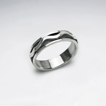 Wavy Lines Dimensions Oxidized Ring